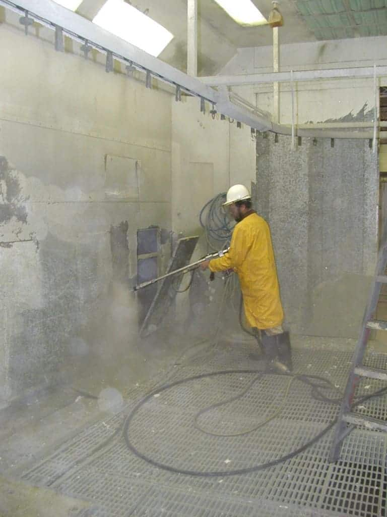High Pressure Spray Booth : Pressure wash water blasting starr restoration services